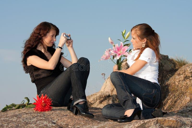 Zwei junge Mädchen stockbilder