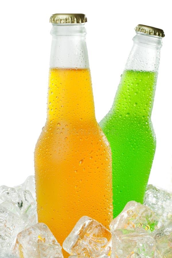 Zwei kalte Getränke stockbild. Bild von eisig, flasche - 11012833