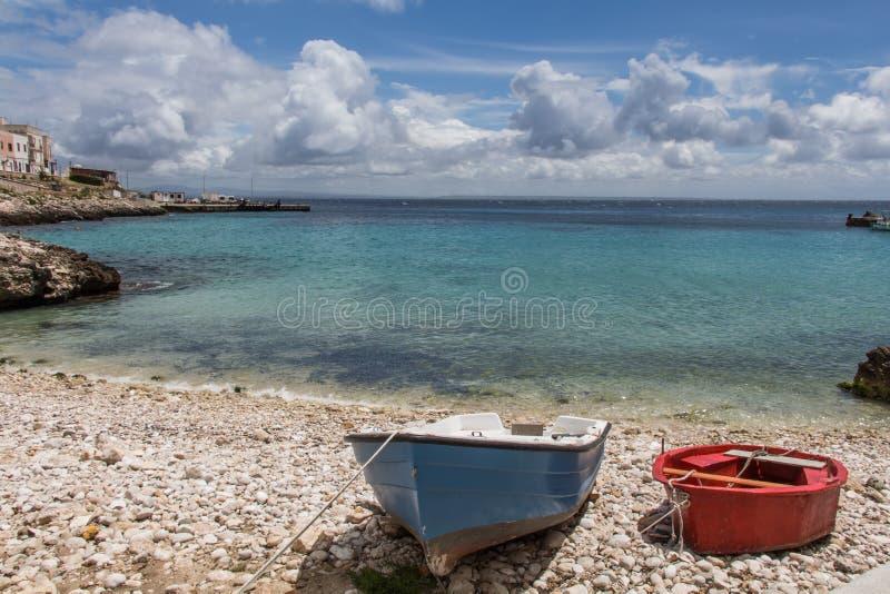 Zwei kleine Boote stockbilder