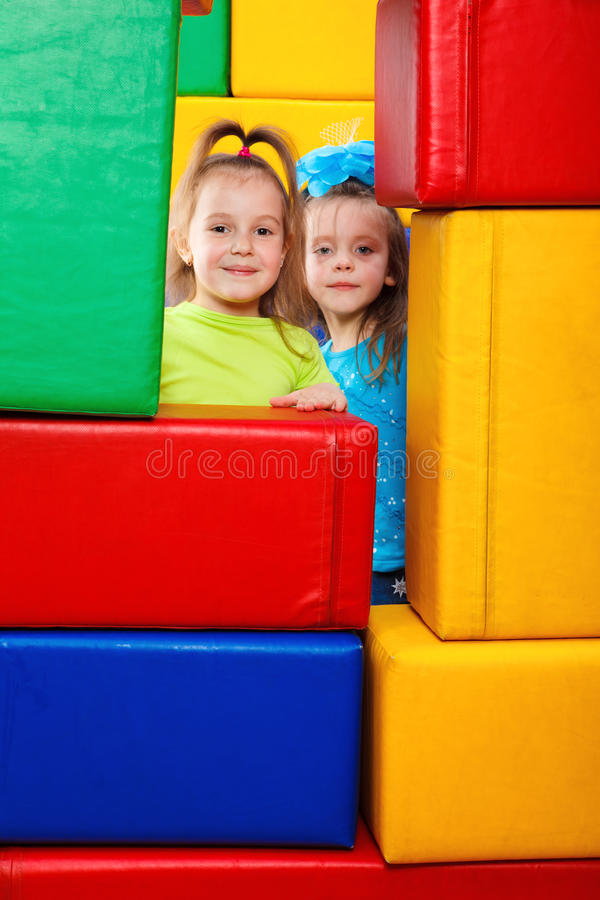 Zwei kleine Mädchen stockfoto