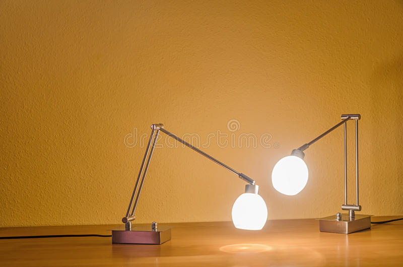 Zwei Lampen lizenzfreie stockbilder