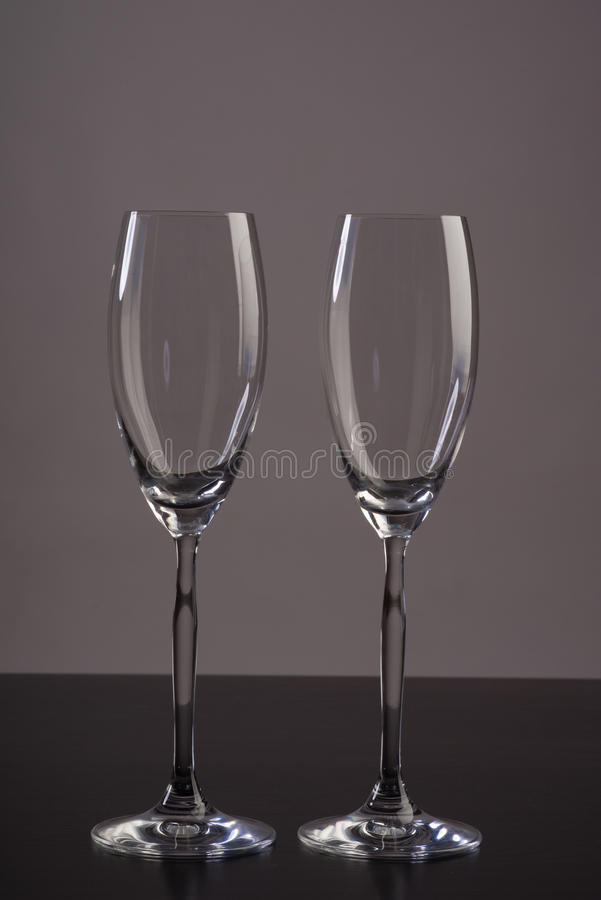 Zwei leeres Champagnerglas lizenzfreie stockbilder