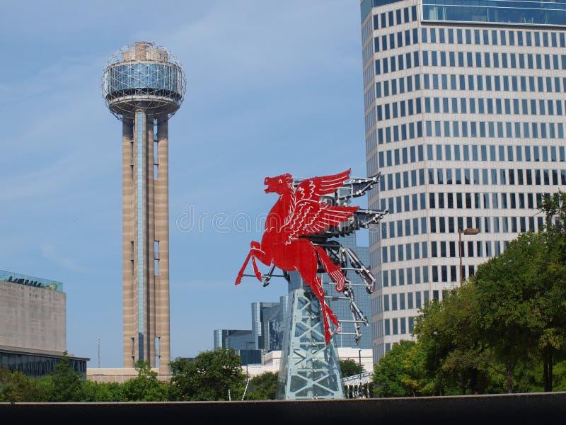 Zwei Markstein-Ikonen Dallas Appear Together lizenzfreie stockbilder