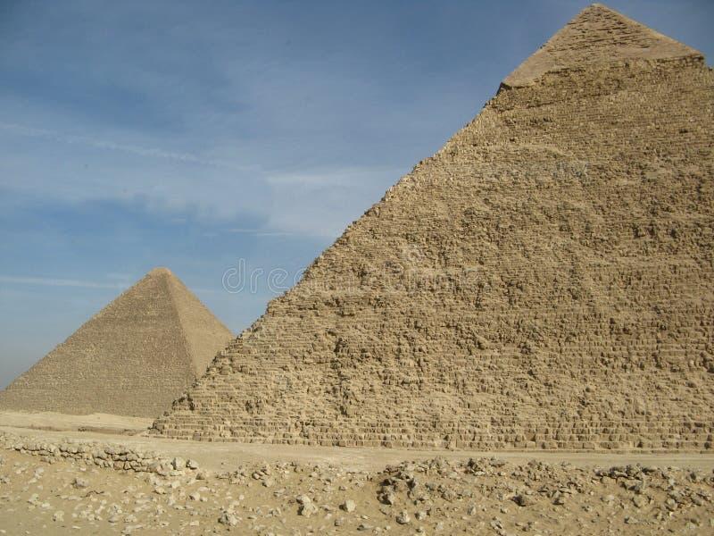 Zwei Pyramiden lizenzfreies stockfoto