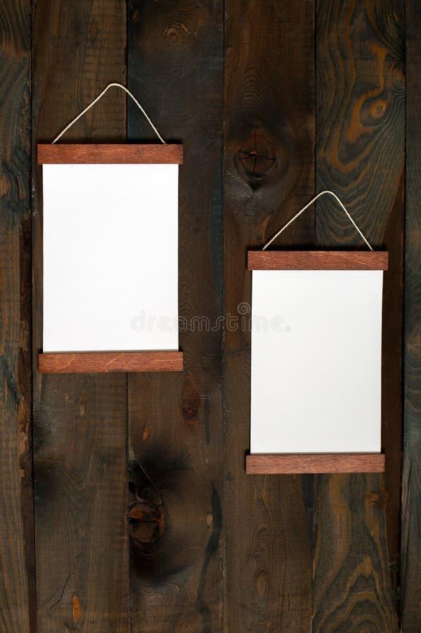 Zwei Rahmen Auf Einem Hölzernen Hintergrund Stockbild - Bild von ...