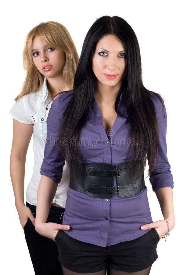 Zwei reizvolle junge Freundinnen stockfoto
