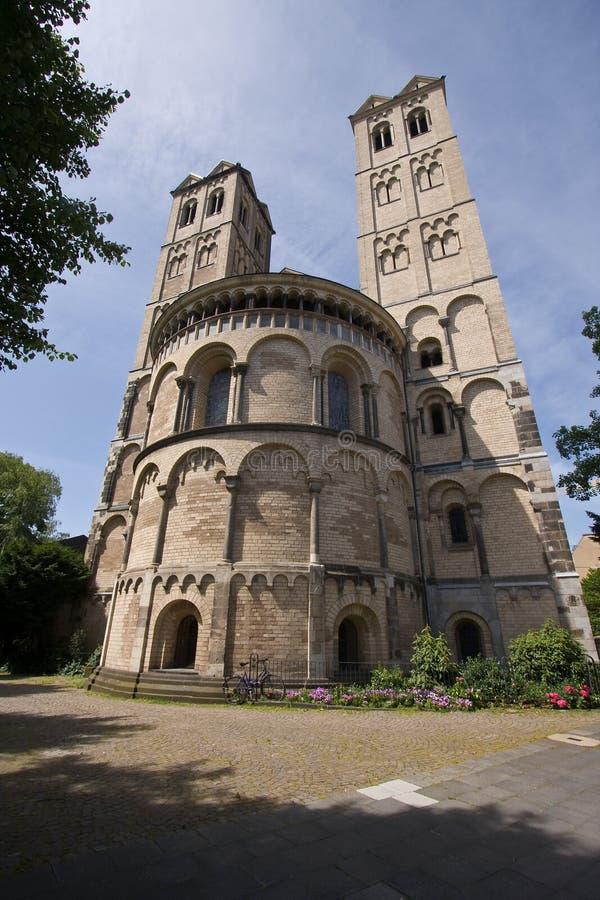 Zwei Romanesquekontrolltürme stockfotos