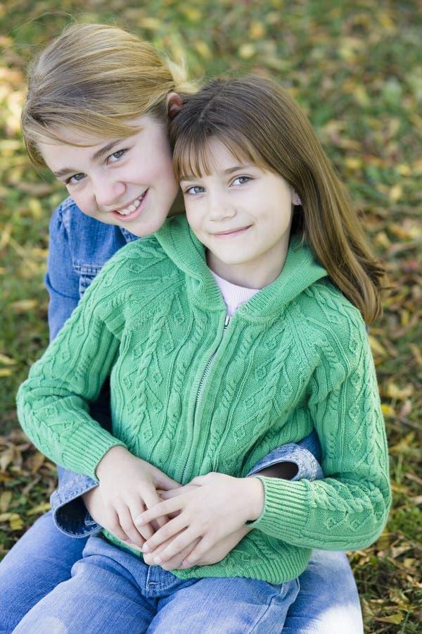 Zwei Schwestern lizenzfreies stockbild