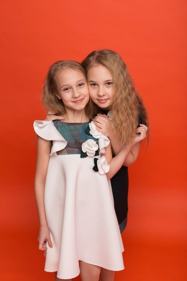 Vierer Mit Zwei Schönen Schwestern