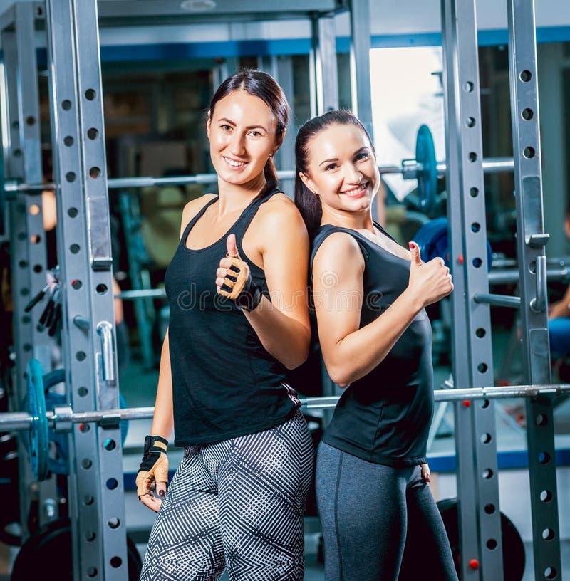 Zwei starke Frauen stockfotos