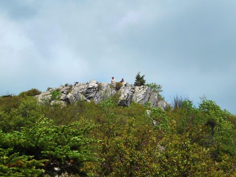Zwei Wanderer auf Wilburn Ridge lizenzfreies stockfoto