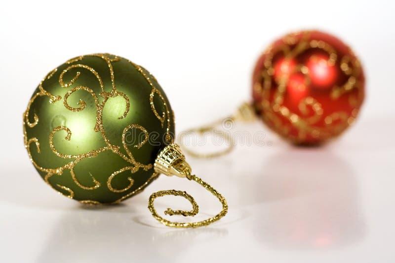 Zwei Weihnachtskugeln Stockfoto
