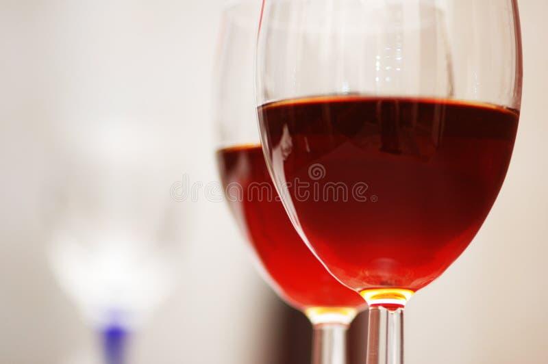 Zwei Weingläser lizenzfreies stockfoto