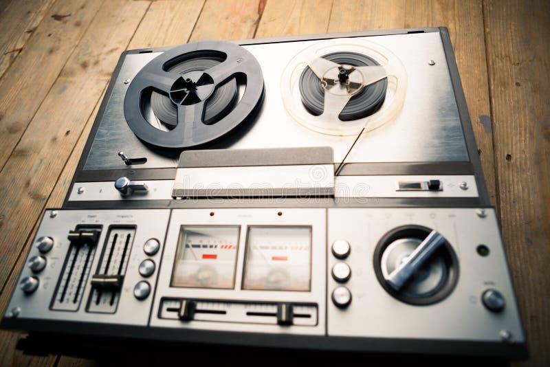 Zweispulenkassettenrekorder und Recorder lizenzfreie stockbilder