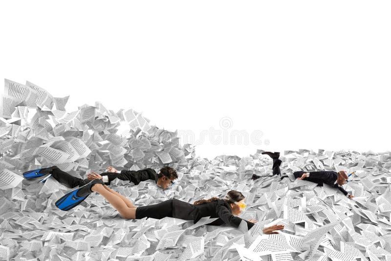 Zwem in de bureaucratie stock illustratie