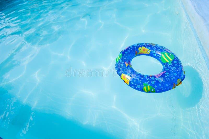 Zwem Ring in Pool royalty-vrije stock afbeeldingen