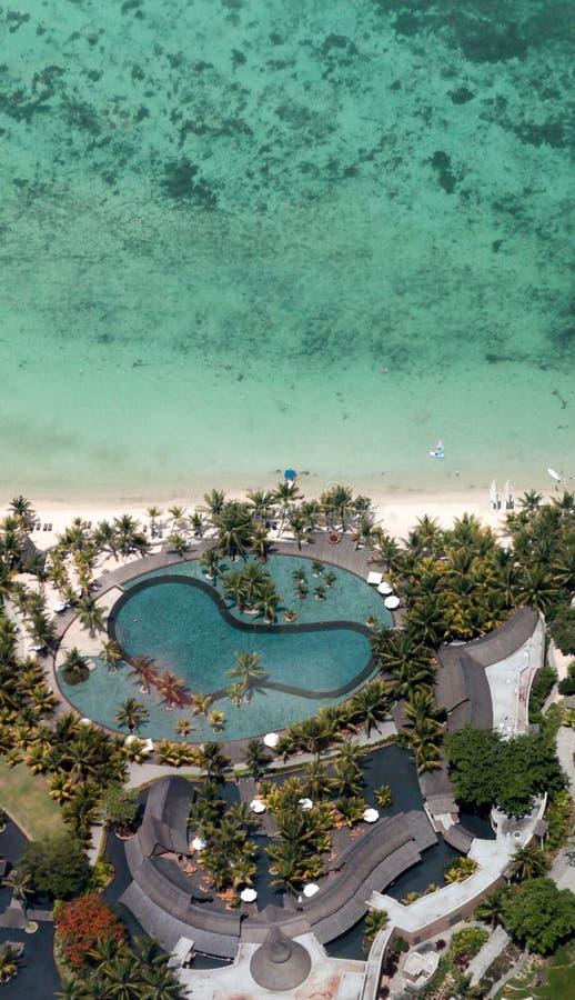Zwembad door de oceaan royalty-vrije stock foto's