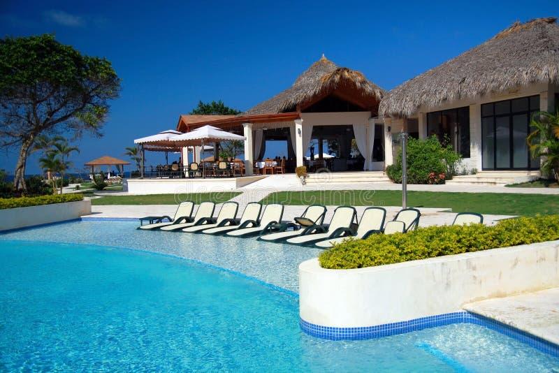 Zwembad in woonplaats in Dominicaanse Republiek royalty-vrije stock fotografie