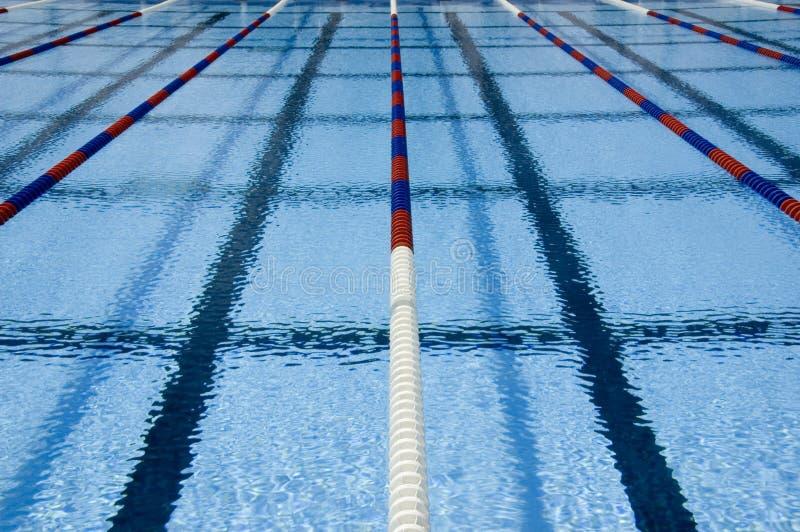 Zwembadstegen stock foto's