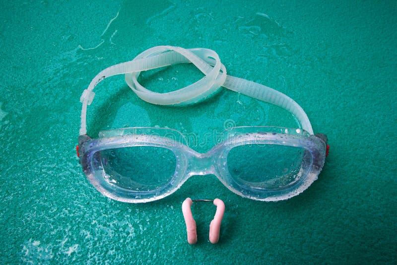 Download Zwemmende Beschermende Brillen Met Neusklem Stock Afbeelding - Afbeelding bestaande uit slijtage, duik: 10779123