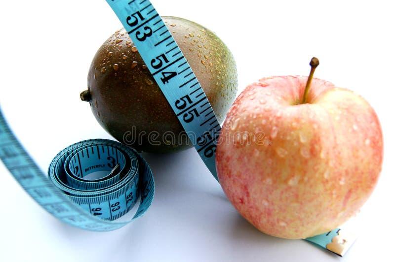 Download Zwetende Appel En Mango (het Op Dieet Zijn) Stock Afbeelding - Afbeelding bestaande uit hard, fruit: 298073