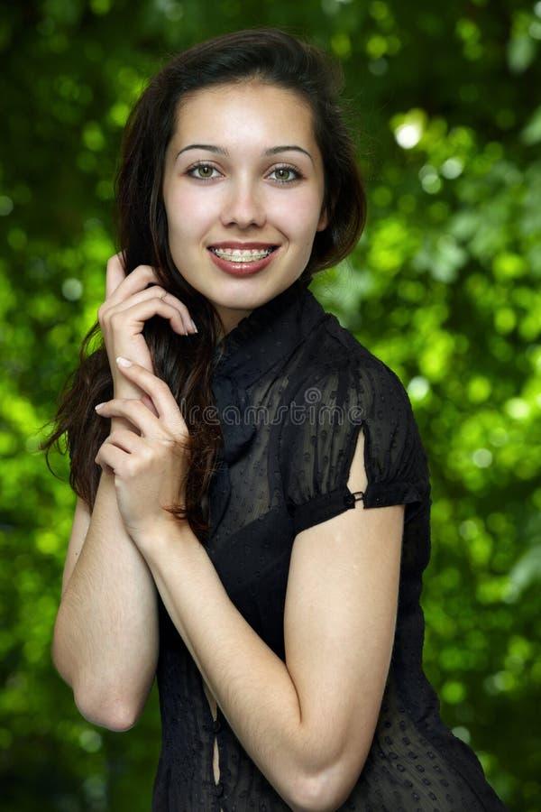 związuje szczęśliwego modela fotografia royalty free