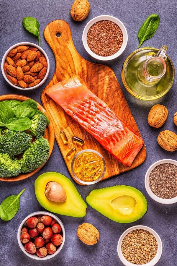 Zwierzęcy i jarzynowi źródła omega-3 kwasy obraz stock