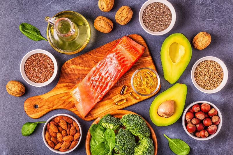 Zwierzęcy i jarzynowi źródła omega-3 kwasy zdjęcia royalty free