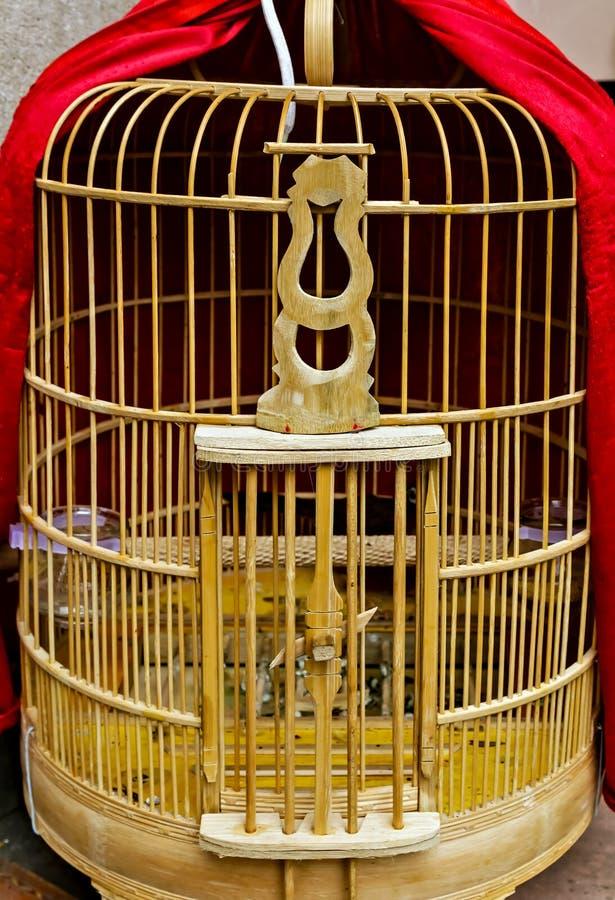 Zwierz? domowe lota Ptasia klatka ptasi hutch Pusty birdcage obraz stock