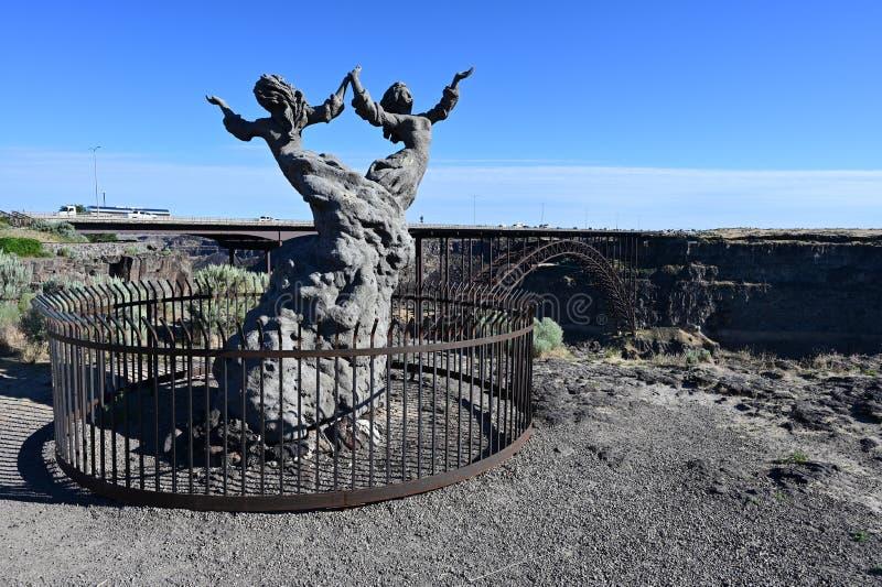 Zwillings-Statue in Twin Falls, Idaho lizenzfreie stockfotografie