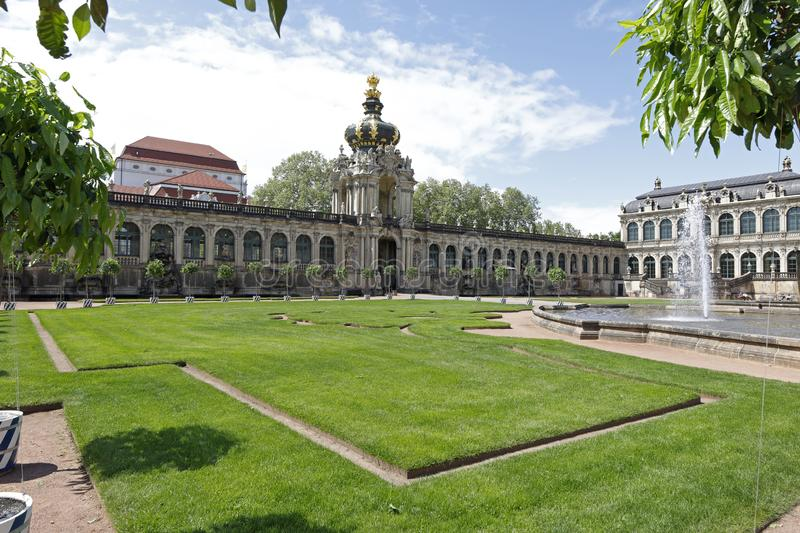 Dresden: Kronentor, Zwinger with baroque buildings and fountain stock images