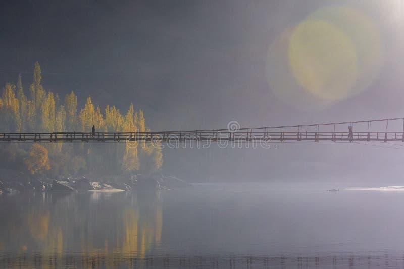 Zwischen der Brücke stockfoto
