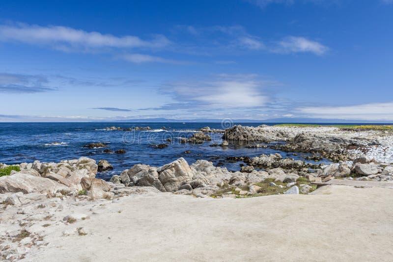 Zwischen Vogel-Felsen und Punkt Joe bei einem 17 Meilen-Antrieb lizenzfreie stockfotos