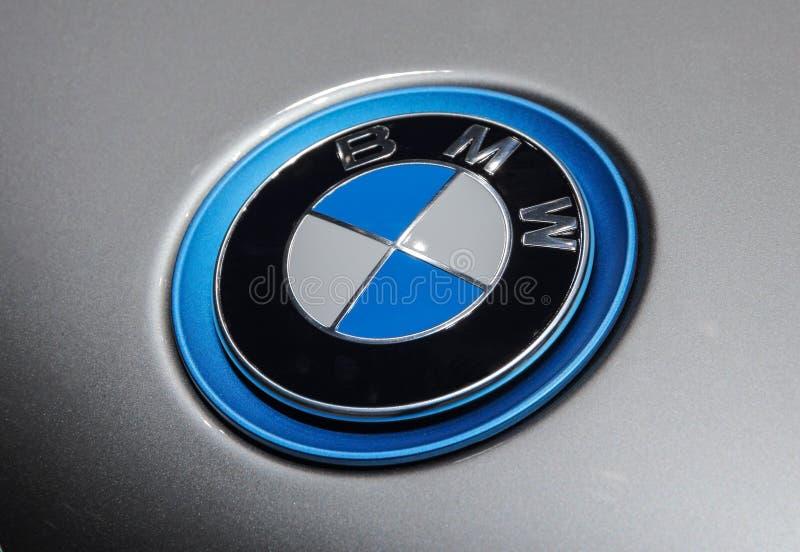 Zwitserland; Genève; 8 maart, 2018; Dichte omhooggaand van BMW-kap emb stock foto's