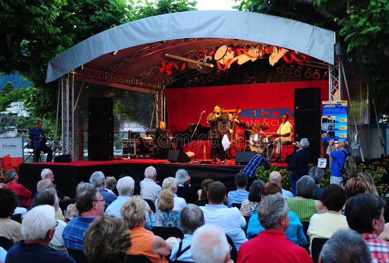 Zwitserland: Grote sfeer van Ascona Jazz Festival in kanton Ticino stock foto