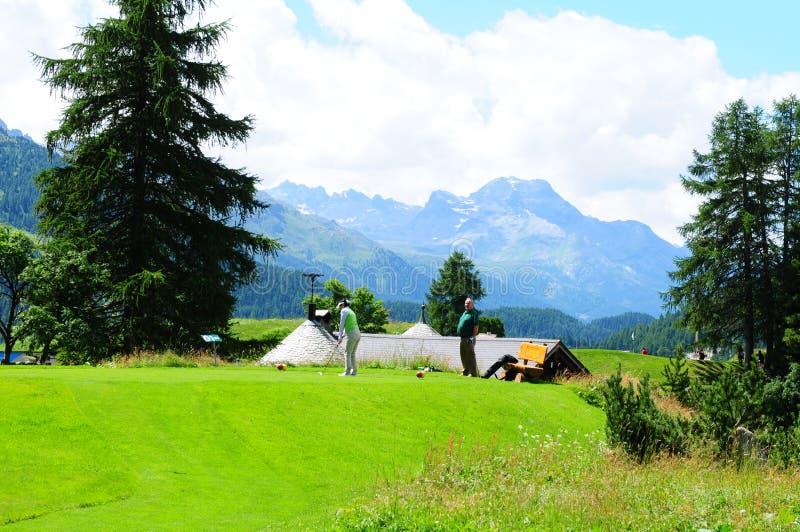 Zwitserse alpen: Kulm-Hotel 9 de cursus van het gatengolf in St Moritz royalty-vrije stock foto's