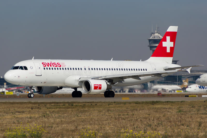 Zwitserse Luchtbus A320 royalty-vrije stock foto's