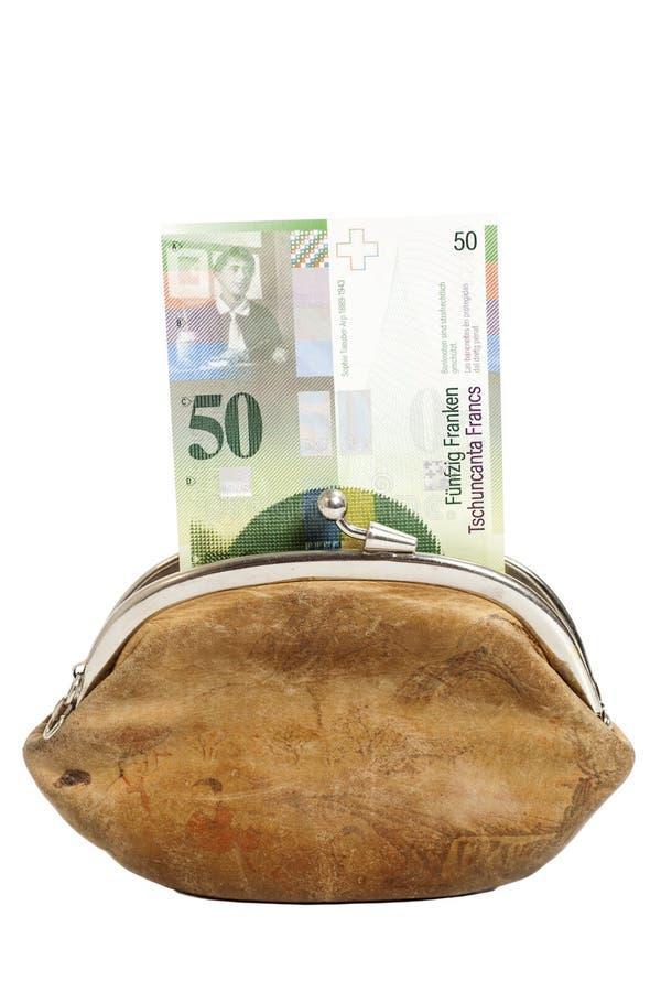 Zwitserse vijftig franken in portefeuille die op wit wordt geïsoleerd stock afbeeldingen