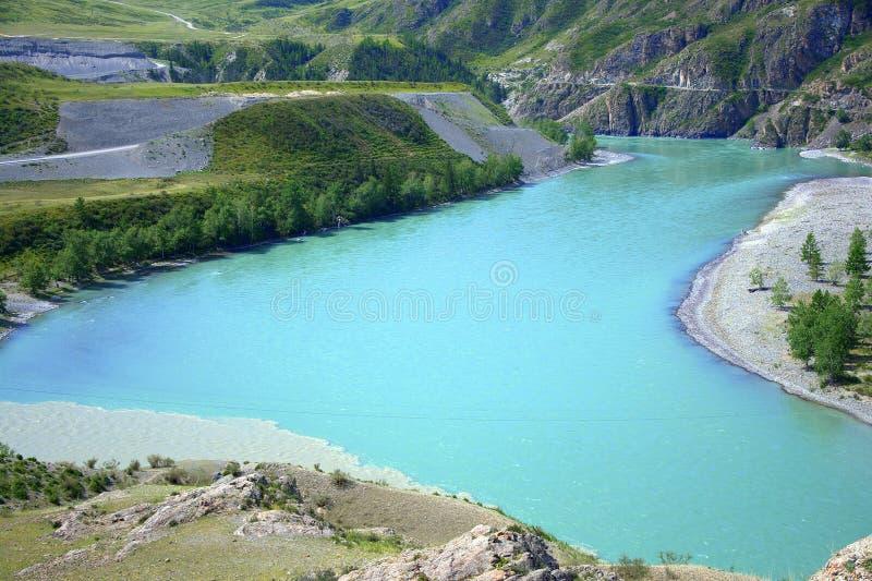 Zwrot Katun riverbed przy stopą malownicze góry Republika Gorny Altai, Syberia, Rosja Krajobraz zdjęcie stock