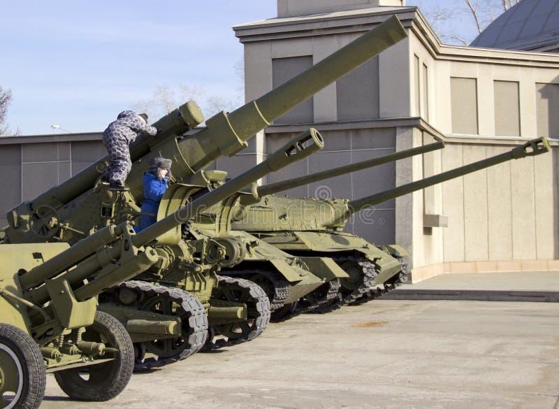 Zwycięstwo park Próbki militarny wyposażenie wielka Patriotyczna wojna obraz stock