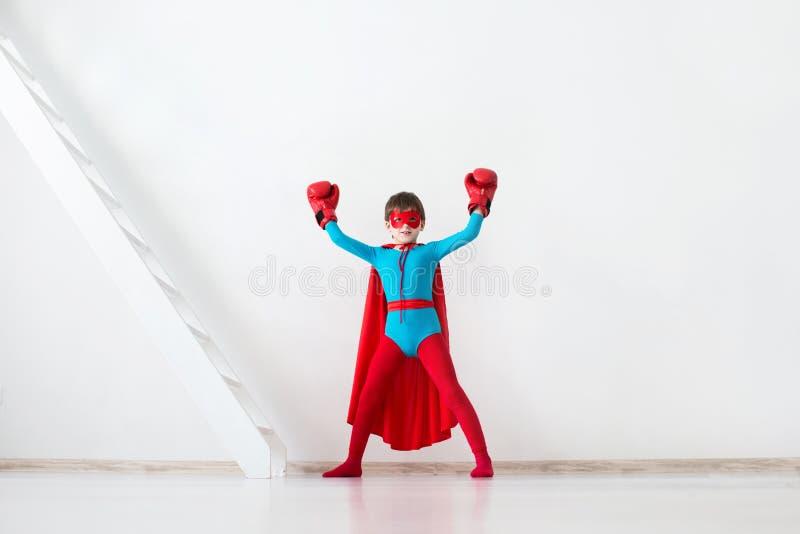 Zwycięzca Dzieciaka super bohater zdjęcie stock