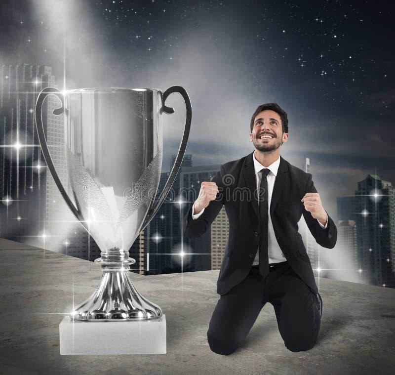 Zwycięzcy biznesmen exult obrazy stock