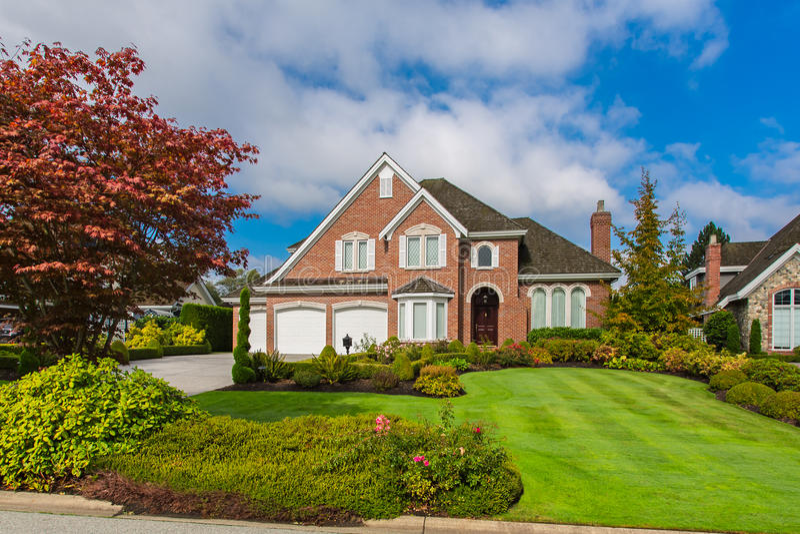 Zwyczaj - budujący dom fotografia royalty free