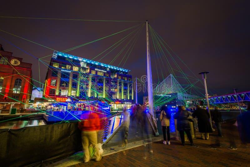 Zwyczajny ruch drogowy i lekki pokaz przy Wewnętrznym schronieniem w Baltimore, Maryland obrazy royalty free