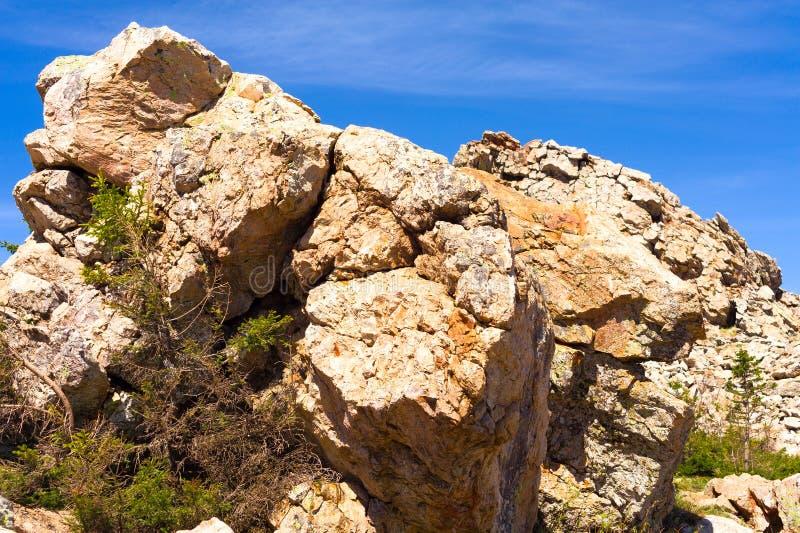 Zyuratkul高原的石峰顶 r 库存图片