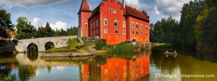 Beautiful Chateau on Lake, Panorama