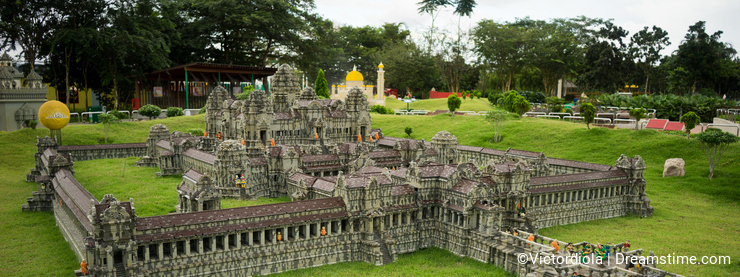 Angkor Wat lego model