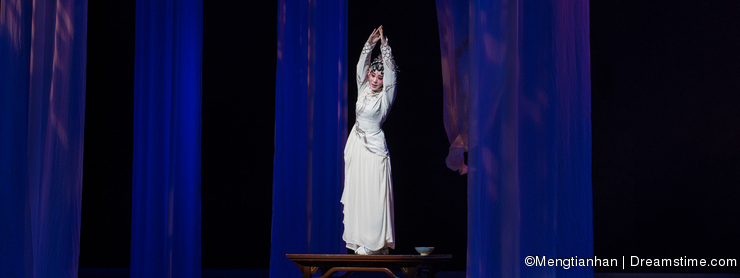 "Show original shape-The third act Male Yellow Wine-Kunqu Opera""Madame White Snake"""