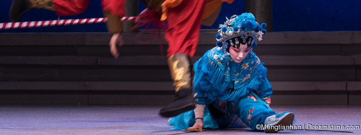 "Grand ecart -The sixth act water overflows golden hill-Kunqu Opera""Madame White Snake"""