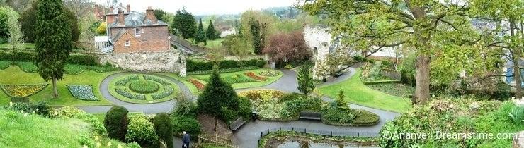 Guildford guild stunning garden - panorama